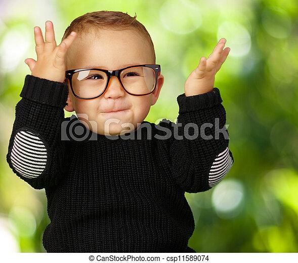 Lycklig Pojke För Liten Unge Med Exponeringsglas Och
