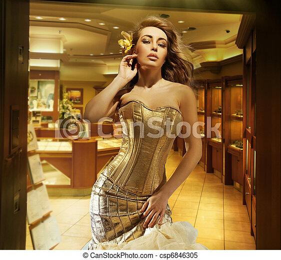 tröttsam, söt, smycken, butik, gyllene, dam, blondin, klänning - csp6846305