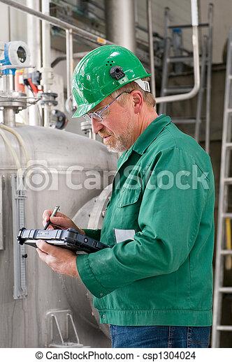 Trabajador industrial - csp1304024