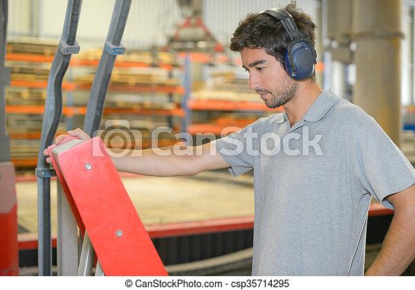 trabajador industrial - csp35714295