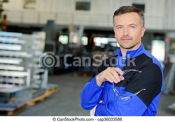 trabajador industrial - csp36033586