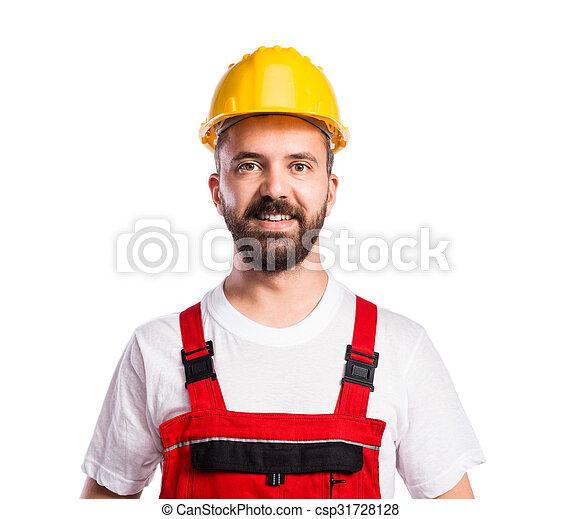 Joven trabajador guapo - csp31728128