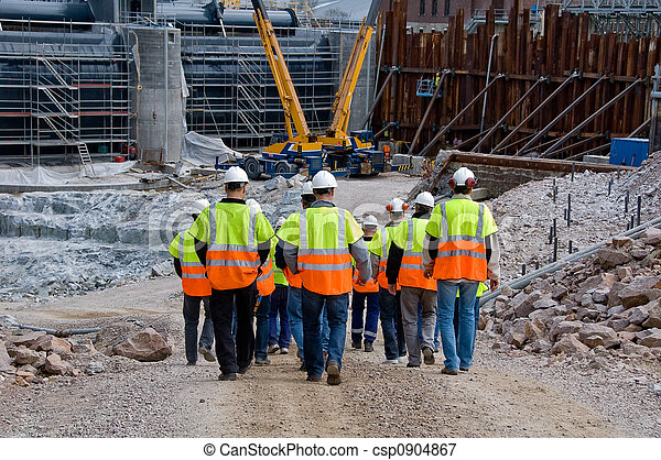 Trabajadores de construcción - csp0904867