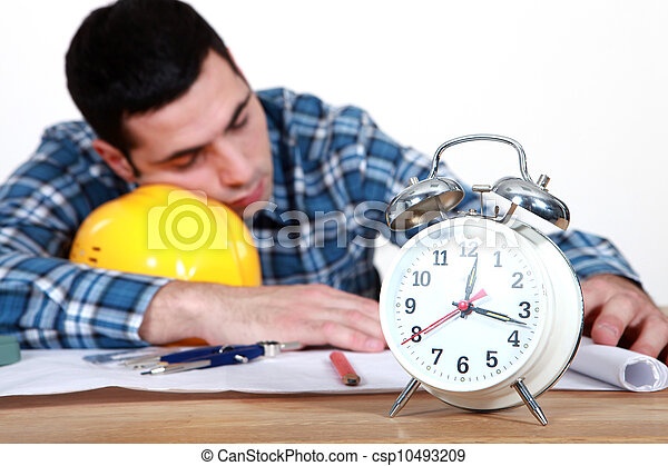 trabajadores, dormir la siesta - csp10493209