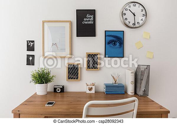 Desk preparado para trabajar - csp28092343