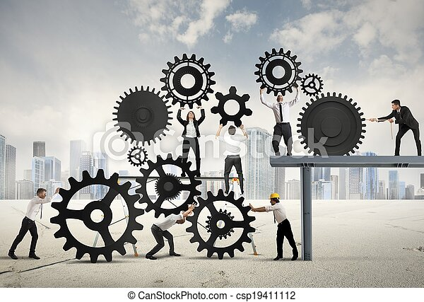Trabajo en equipo de gente de negocios - csp19411112