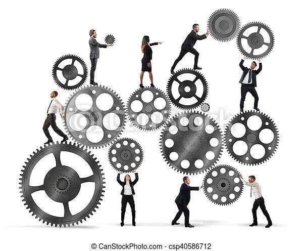 Trabajo en equipo de gente de negocios - csp40586712