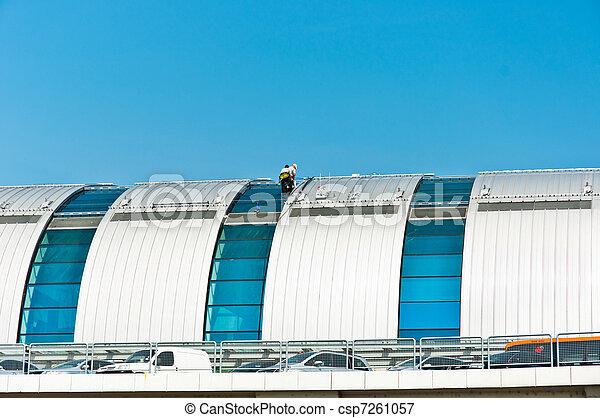 trabalhadores, dois, quentes, construção, acabamento, dia - csp7261057