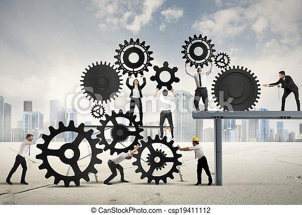 trabalho equipe, businesspeople - csp19411112