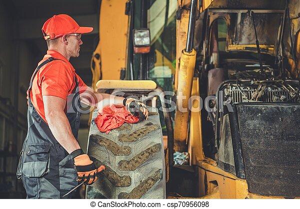 Tractor Dozer Engine Repair - csp70956098