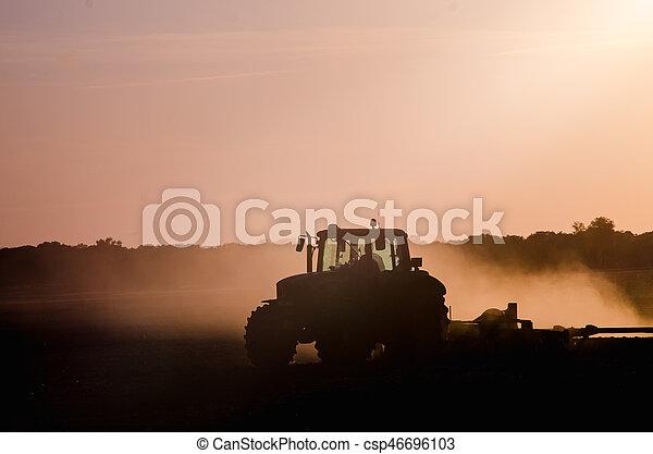 Tractor working - csp46696103
