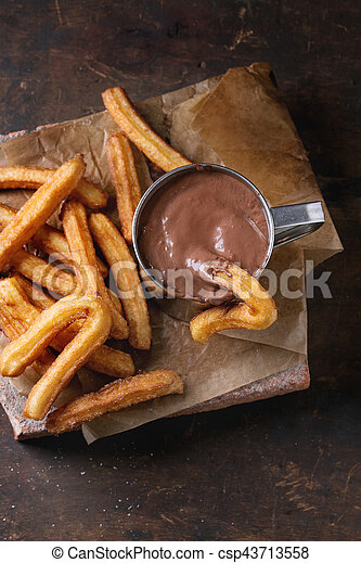 tradicional, churros, espanhol, chocolate - csp43713558