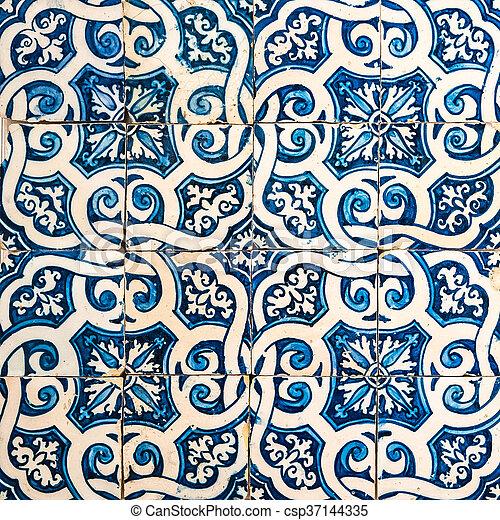 Azulejos, azulejos tradicionales de portugués - csp37144335