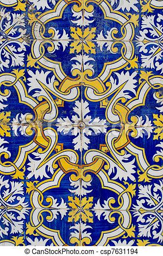 Títulos tradicionales portugueses glaseados - csp7631194