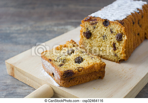 Traditional fruit cake for Christma - csp32464116