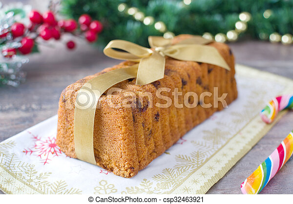 Traditional fruit cake for Christma - csp32463921