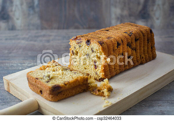 Traditional fruit cake for Christma - csp32464033