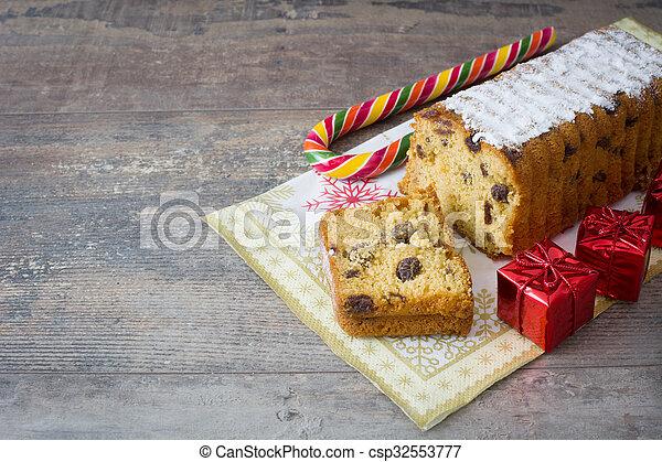 Traditional fruit cake - csp32553777