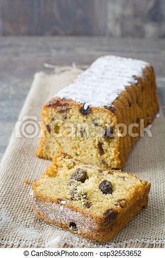 Traditional fruit cake - csp32553652