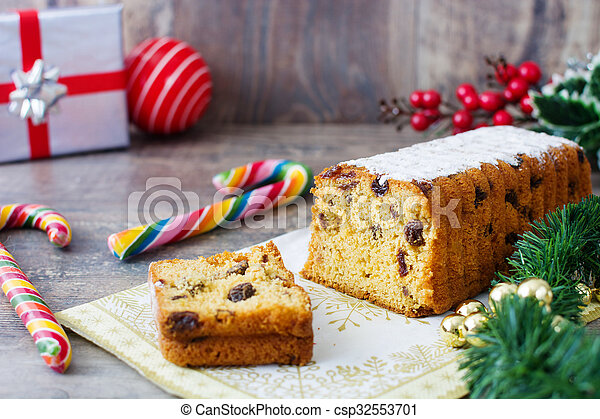Traditional fruit cake - csp32553701