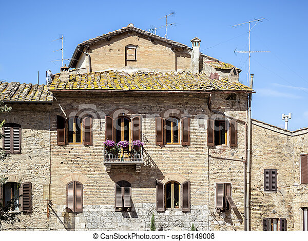 Traditional House in Tuscany - csp16149008