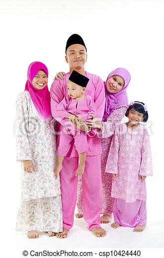 traditional malay family during hari raya occaion - csp10424440