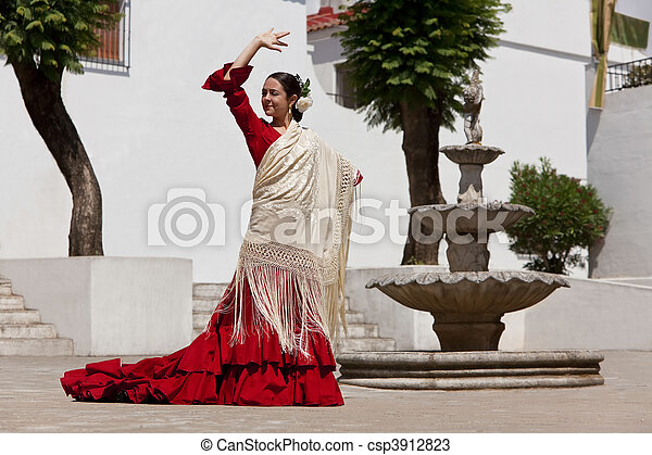 Traditional Woman Spanish Flamenco Dancer In Red Dress - csp3912823