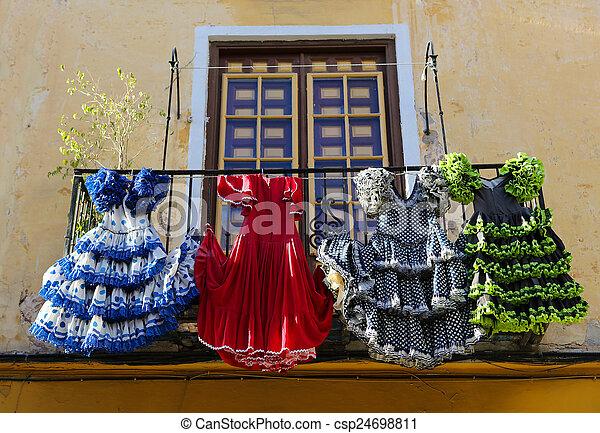 Traditionelle Malaga Haus Sp Andalusien Flamenco Kleidet