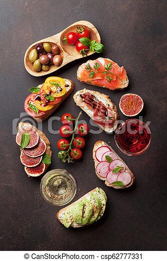 traditionelle , tapas, brushetta, oder, spanischer  - csp62777331