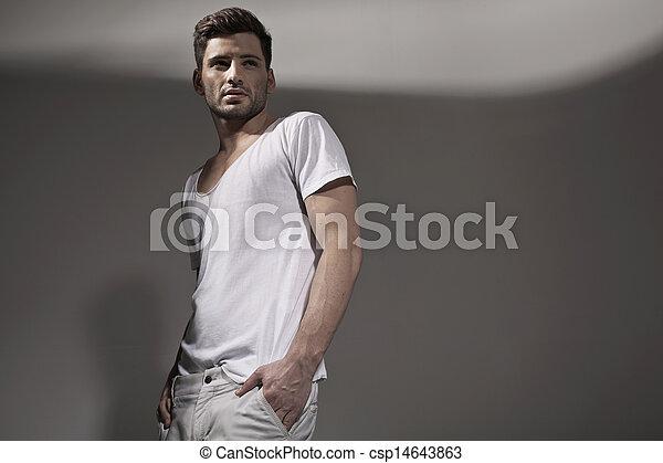 tragen, hübsch, fruehjahr, muskulös, mann, kleidung - csp14643863