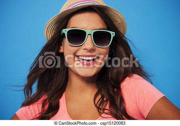 tragen, sommer, frau, sonnenbrille, strohhut - csp15120083