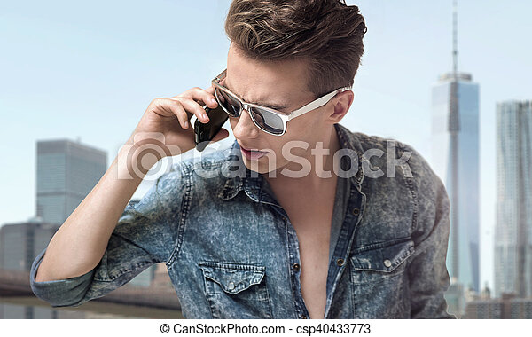 tragende sunglasses, junger, stilvoll, hübsch, mann - csp40433773
