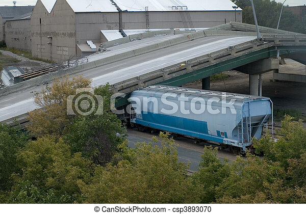 Train Crushed Under 35W Bridge - csp3893070