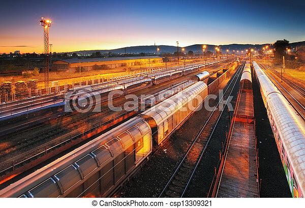 Train Freight transportation platform - Cargo transit - csp13309321