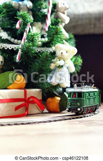 train under tree gift - csp46122108