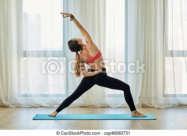 trainer asana yoga trainer vrouw yoga houdingen