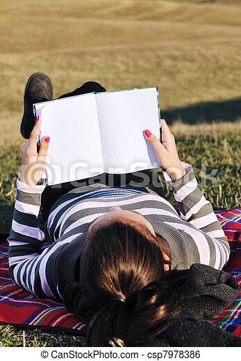 travail, ordinateur portable, extérieur, jeune fille - csp7978386