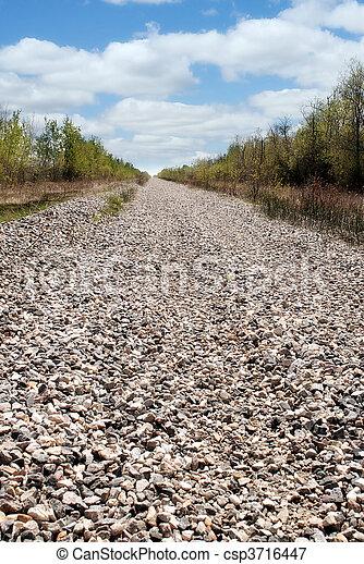 Un largo camino rocoso - csp3716447