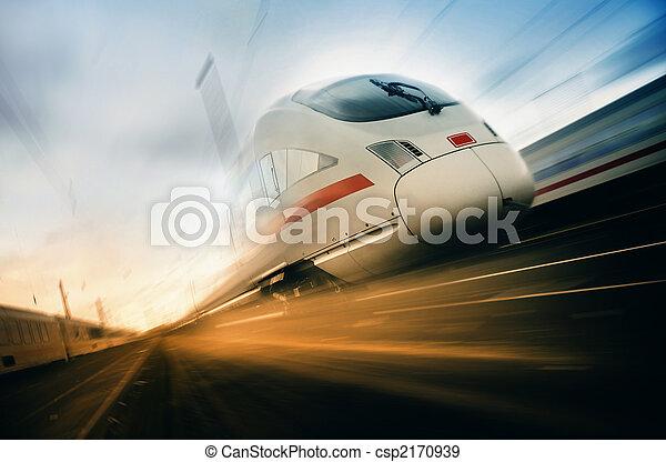 trem, em movimento, rapidamente - csp2170939
