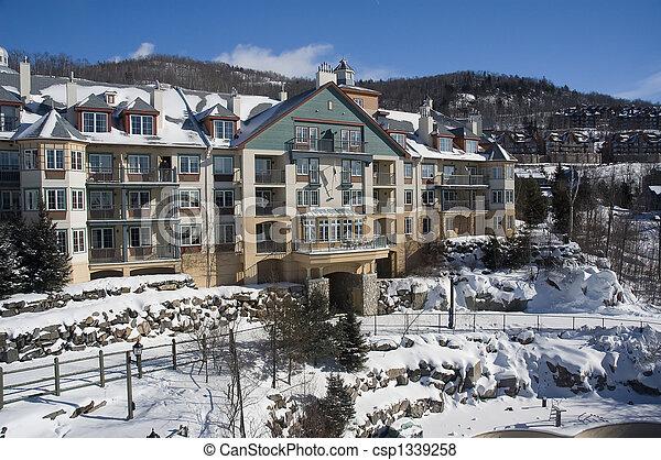 tremblant, mont, スキー, villag - csp1339258