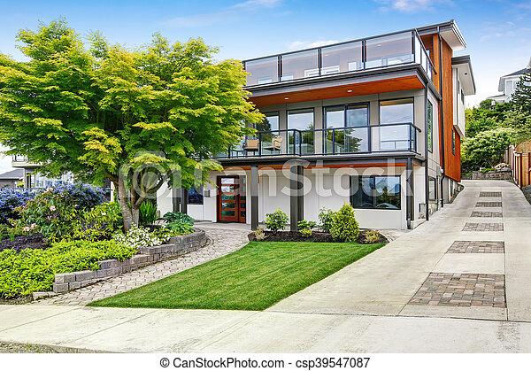 Attractive Trimmen, Wasserwaage, Hölzernes Haus, Modern, Drei, Außen   Csp39547087