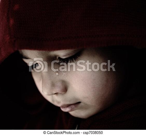 triste, chorando, criança - csp7038050