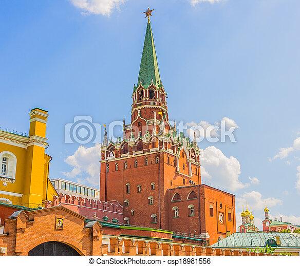 Troitskaya (Trinity) Tower in the Moscow Kremlin - csp18981556