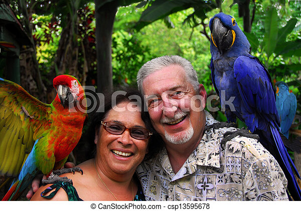tropical, pareja mayor, viaje - csp13595678