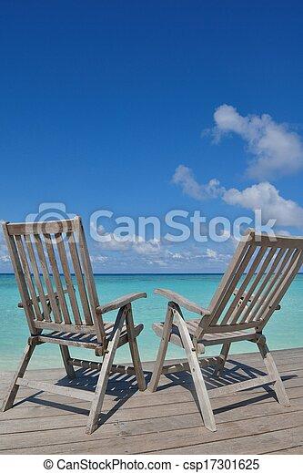 Sillas tropicales de playa - csp17301625
