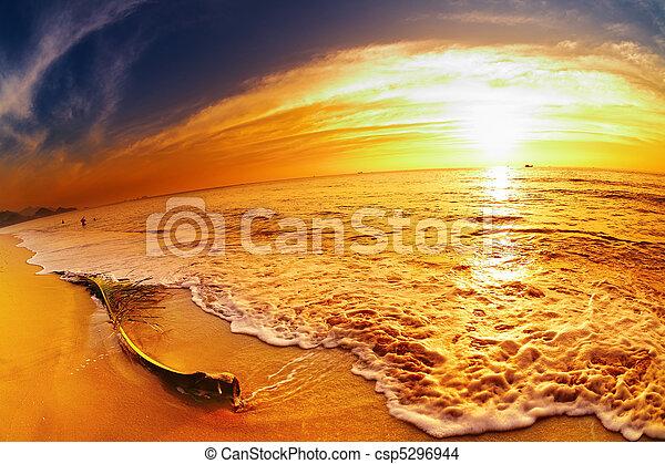 tropische , thailand, sandstrand, sonnenuntergang - csp5296944