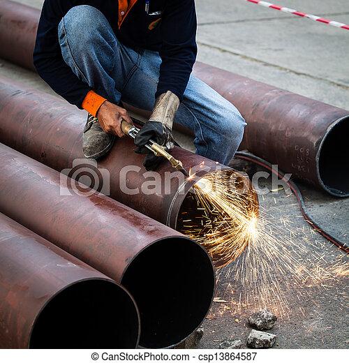 tubo, cuting - csp13864587
