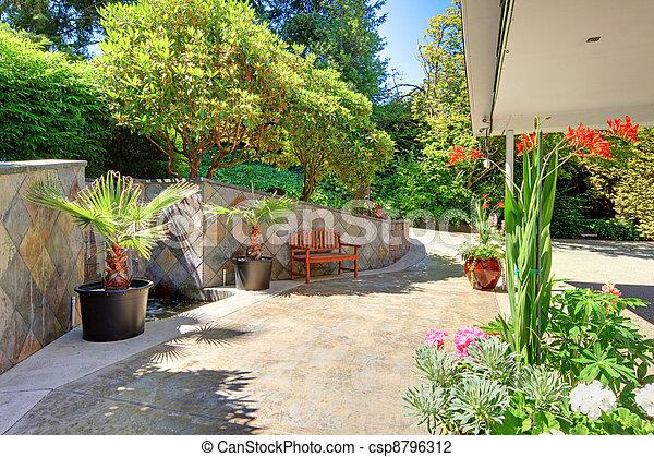 Tuiles Yard Maison C Ramique Ext Rieur Devant Fleurs