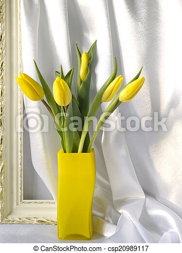 Tulips in a vase - csp20989117