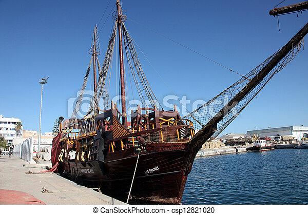 Tunisie sousse bateau pirate photo de stock - Photo de bateau pirate ...